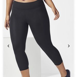 Fabletics Capri Leggings - 2X